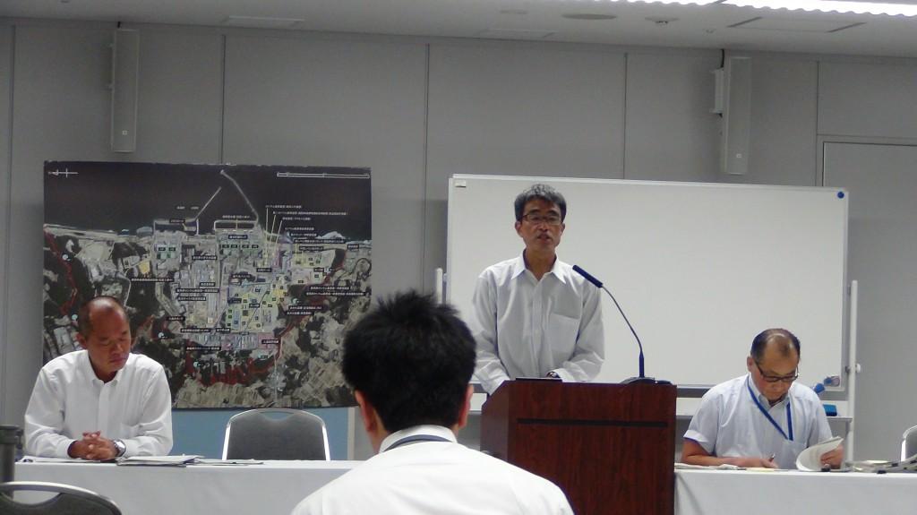 2014年6月16日 筆者の質問に答える東京電力白井氏(撮影:おしどりケン)